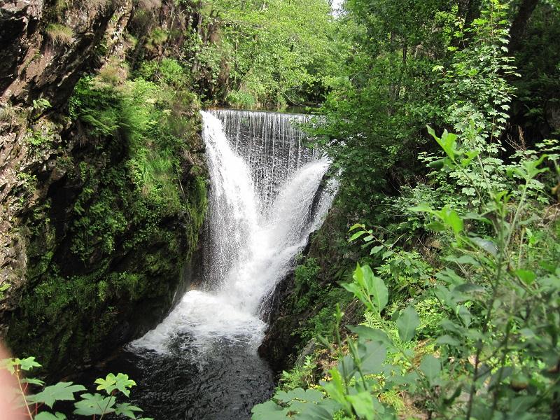Gites Le Creux wandelen Vogezen waterval